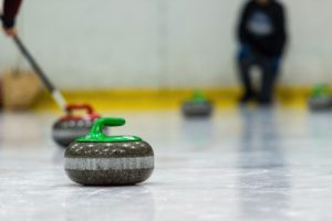close up of a curling game situation 47JT2QL 1