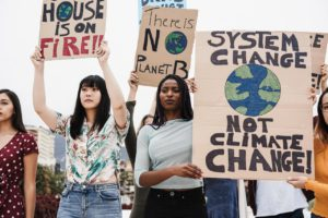 young group of demonstrators fight for climate cha 4LN82GG 1